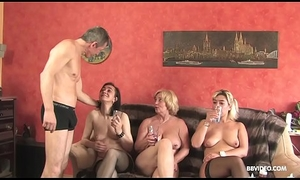 Inexpert German threesome with elderly doxies and a pierced guy