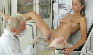 Busty Tanned Teen Blonde Obtain A Uncompromised Checkup From Doctor