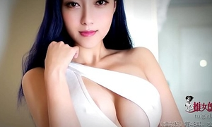 Uncompromisingly sexy Chinese model
