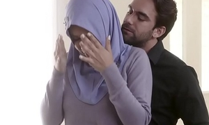 FBI officer fucks curvy Arab wife right surrounding the bore